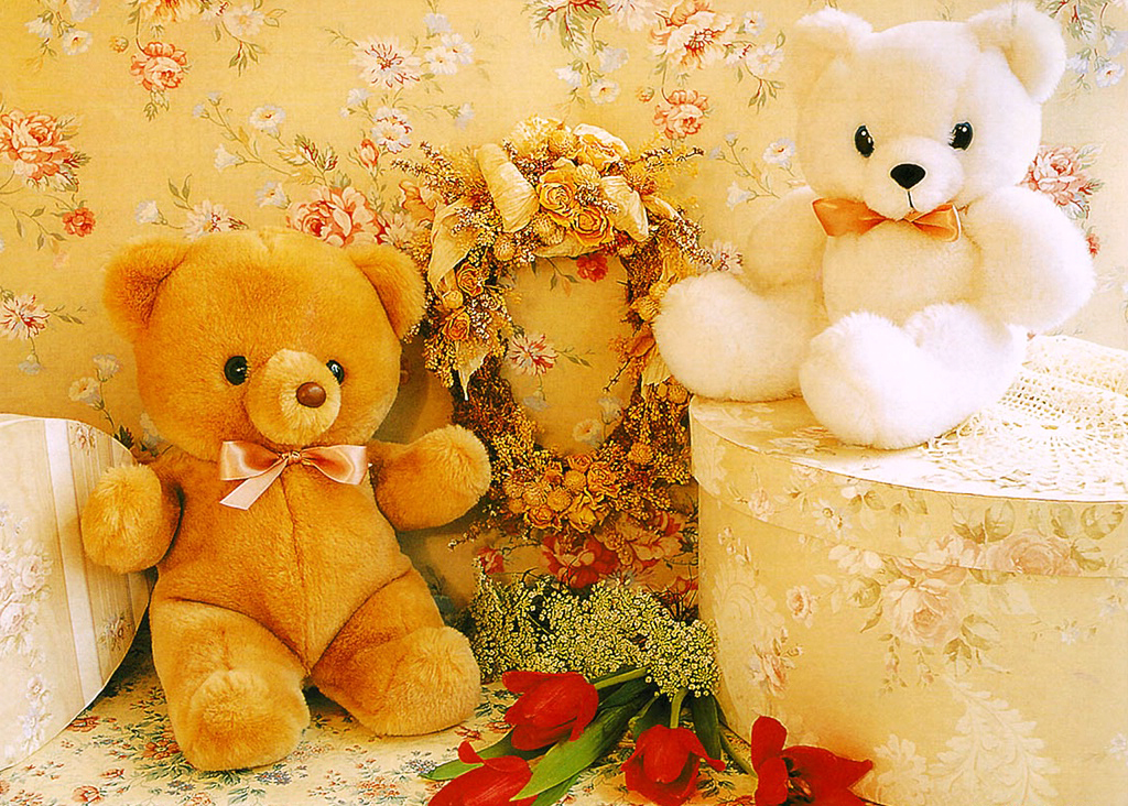 Happy birthday teddy bear images with flowers